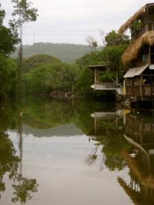 Papaya Lodge; Playa El Tunco, El Salvador