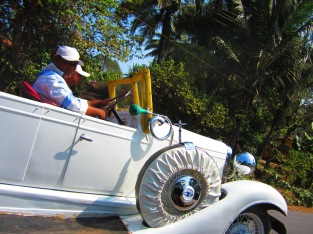 Sunday Drivers - South India
