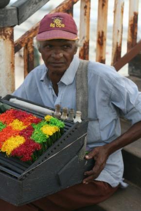 Betel vendor - Colombo, Sri Lanka