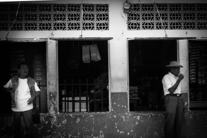 Suchitoto Hombres , El Salvador - Erin J. Bernard