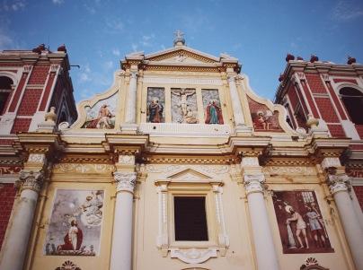 erinjbernard.net, erinjbernard, nicaraguan church face, frescoes